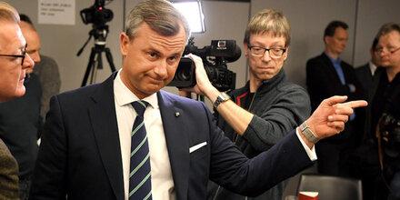 Wilder Streit um Spionage-Vorwurf gegen VdB