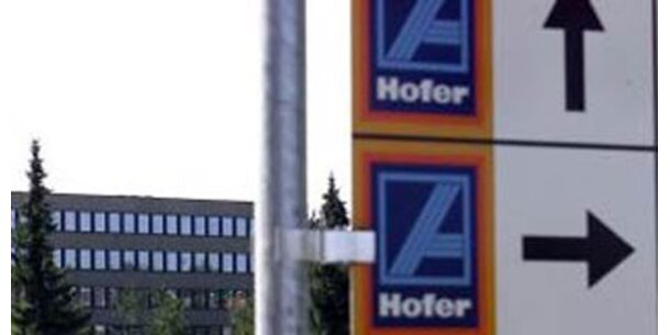 Hofer eröffnet Billig-Tankstellen