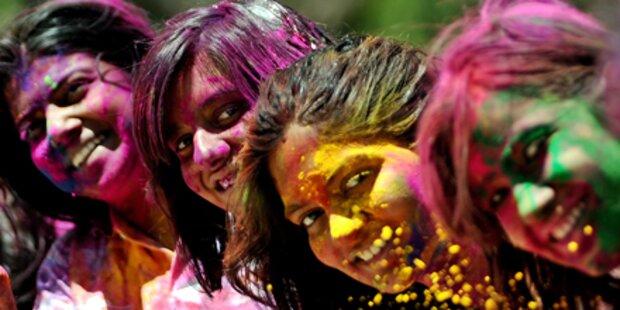 Buntes Frühlingsfest in Indien