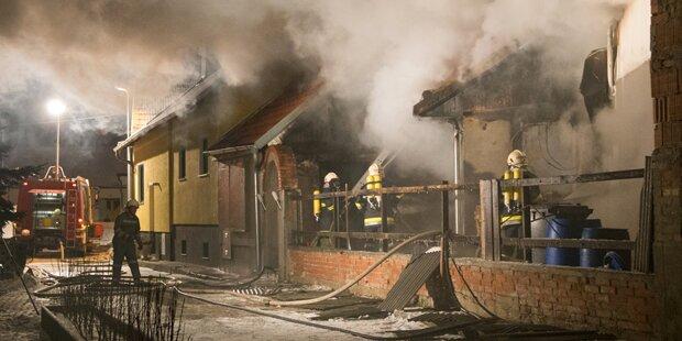 Kinder bei Hausbrand verletzt