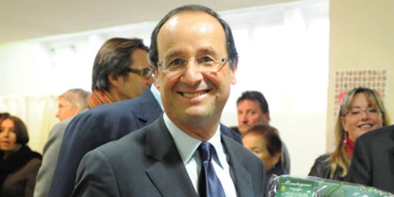 Hollande tritt gegen Sarkozy an