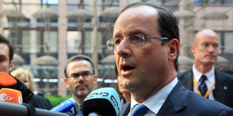 Hollande schließt Militärschlag nicht aus