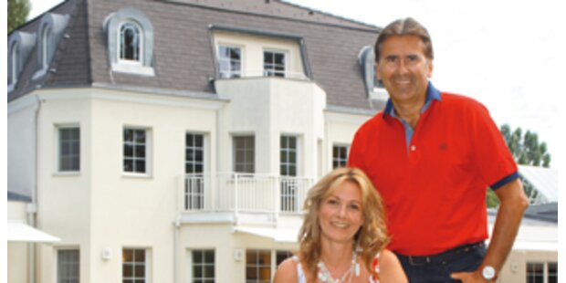 Neubau-Villa mit privatem Park