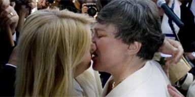 Erstes Homo-Paar gab sich das Ja-Wort
