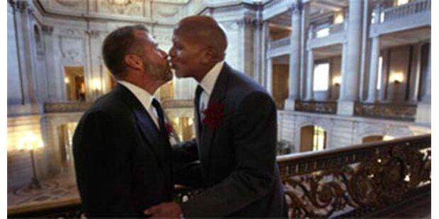 705 Paare gingen Homo-Ehe ein