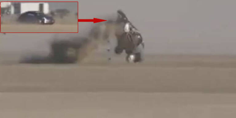 Video: Horror-Crash bei 330 km/h