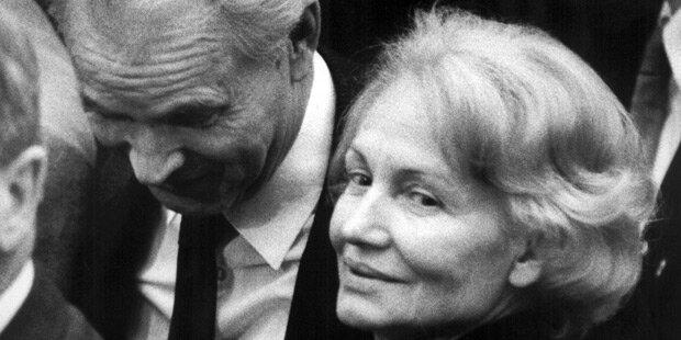 Kleine Trauerfeier für Margot Honecker