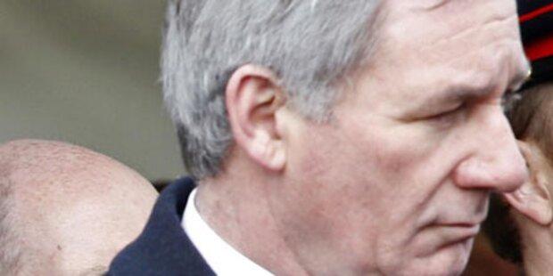 Lobby-Affäre: Ex-Minister suspendiert