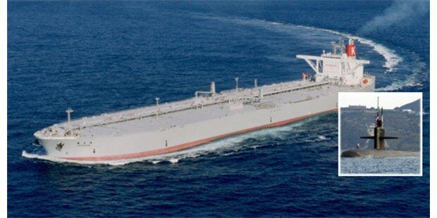 Atom-U-Boot rammt Tanker