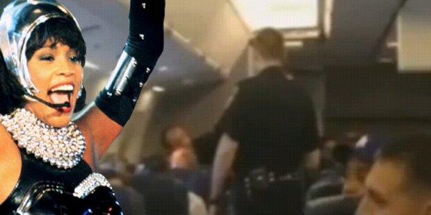 Houston-Song gegröhlt: Rauswurf aus Jet
