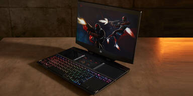 Gaming-Notebook mit 2 Displays im Test