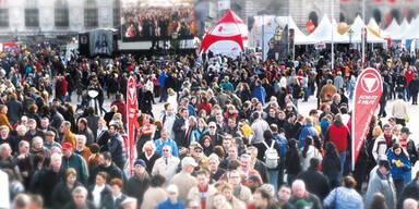 Nationalfeiertag Menschenmenge