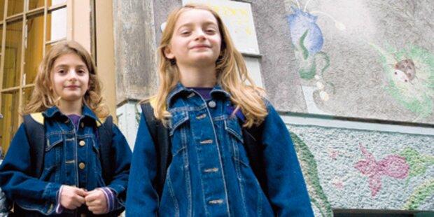 1. Schultag für Asyl-Zwillinge