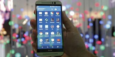 HTC Smartphones im freien Fall