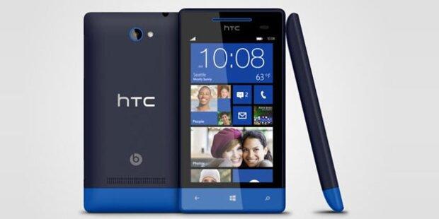 Zwei Windows Phone 8-Handys von HTC