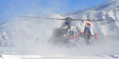 Hubschrauberbergung von Wintersportlern