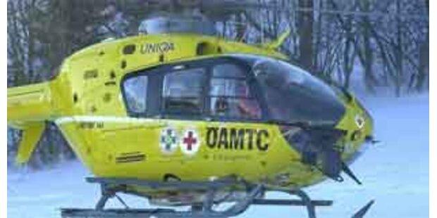 Dreijähriger auf Rolltreppe schwer verletzt
