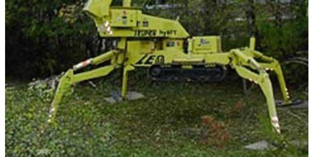 Arbeiter von Hubsteiger erdrückt