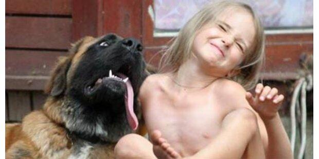 5-Jährige verhält sich wie ein Hund