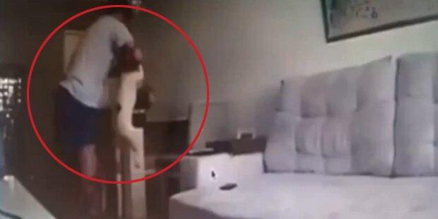 Frau erwischt brutalen Hundequäler