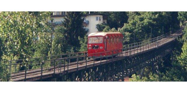 Drei Verletzte bei Unfall der Hungerburgbahn