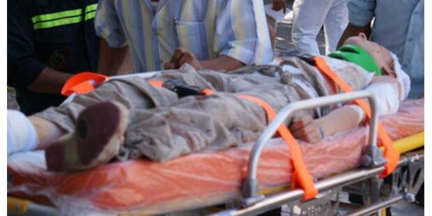 Zwölf Tote bei Touristenbus-Unfall