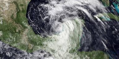 """Hurrikan """"Jova"""" erreicht Mexiko"""