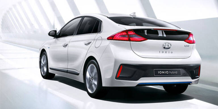 Hyundai Ioniq greift den Toyota Prius an