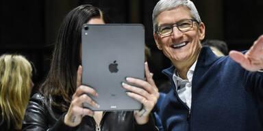 iPad Pro mit Apple-Chef Tim Cook