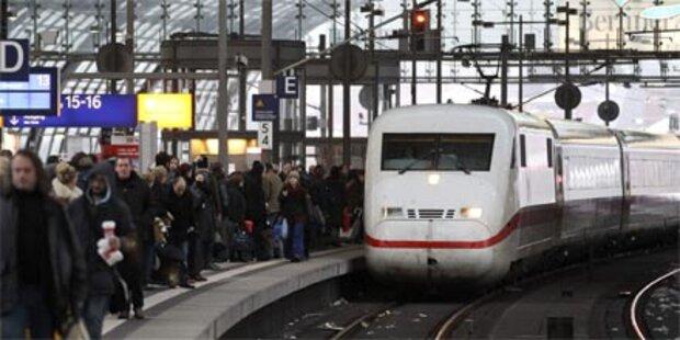 700 Fahrgäste saßen in Zügen fest