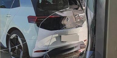 Rentner crasht VW ID.3 nach 20 Metern