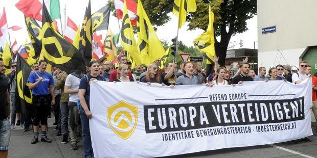 Grüne nutzen rechte Demo als Spendenaktion für Flüchtlinge