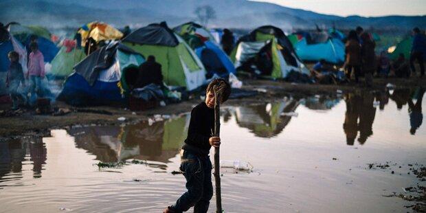 Flüchtlinge verlassen Idomeni Richtung Athen