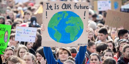 Opfer reichen erste Klima-Klage ein