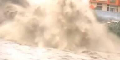 Indien: Sturmflut fordert tausende Todesopfer