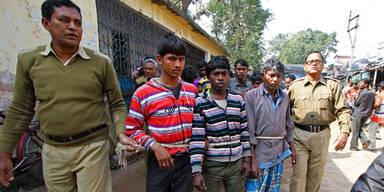 Mob hackt Vergewaltiger Penis ab