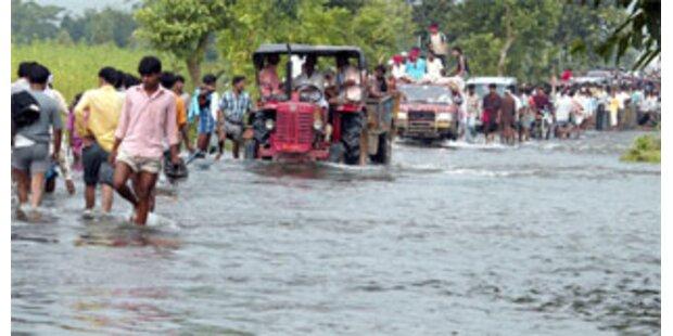 Erbärmliche Bedingungen für Flutopfer in Indien