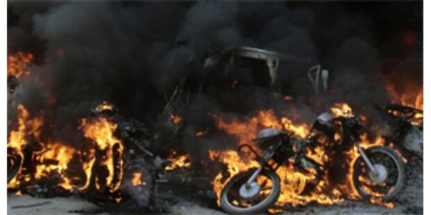 77 Tote bei Anschlägen in Indien