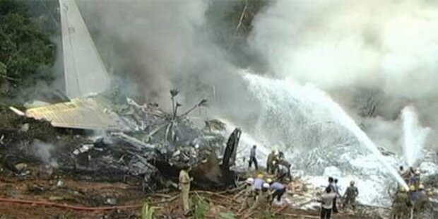 Flugzeug in Indien abgestürzt - 158 Tote