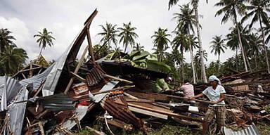 Baby überlebt Tsunami in Indonesien