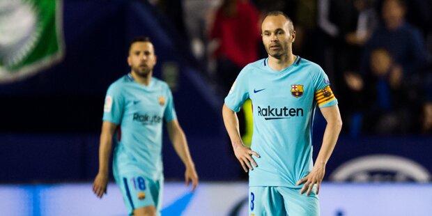 Tribüne bricht bei Iniesta-Interview ein