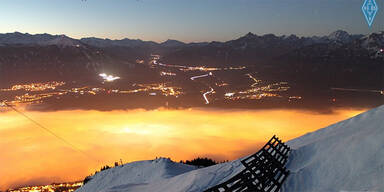 Nebelglühen über Innsbruck