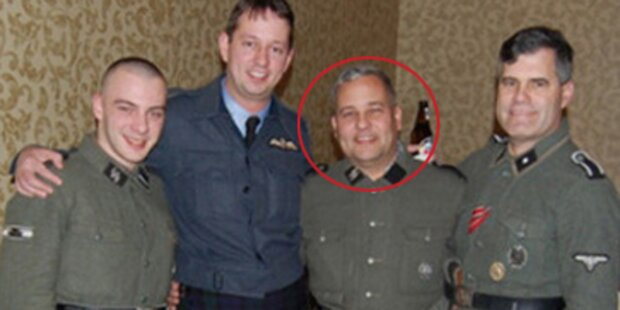 US-Politiker zeigt sich in Nazi-Uniform