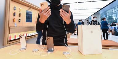 Apple dank iPhone-Boom teuerste Firma der Welt