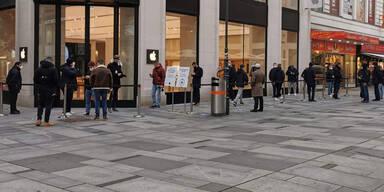 iPhone 12 mini/Pro Max-Start: Fans stehen wieder Schlange