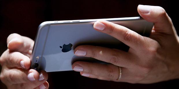 iphone_6_hands_on_test_afp.jpg