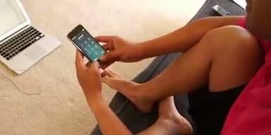 iPhone 5S lässt sich mit Zehen entsperren
