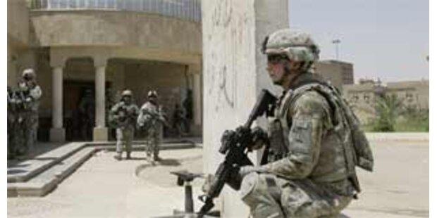 Terrorist sprengt im Irak 28 Rekruten in die Luft