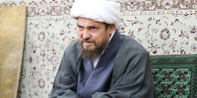 Iranischer Kleriker: Corona-Impfstoff macht schwul