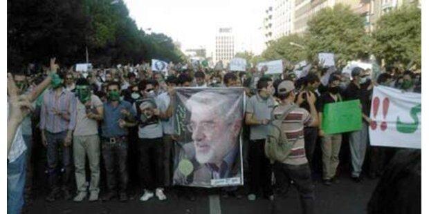 Geistlicher stellt Irans System in Frage
